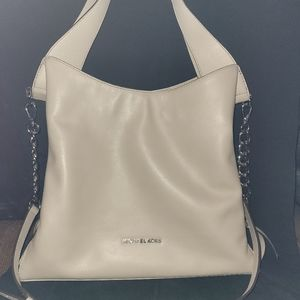 Michael Kors Large Devon Shoulder Tote